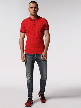 T-RANDY, Red