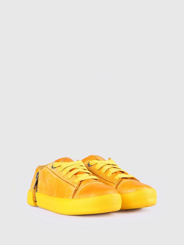 KIDS SN LOW 31 NETISH YO, Mandarine - Footwear - Image 2