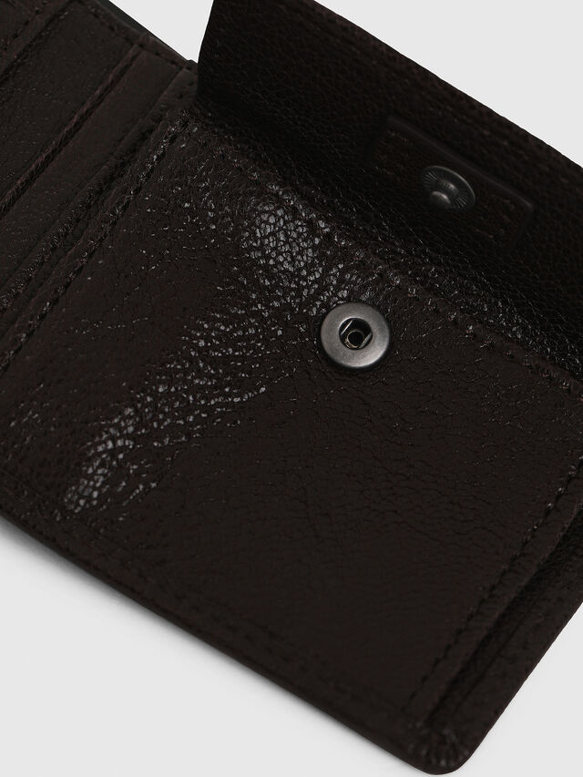 Diesel HIRESH XS, Brown - Small Wallets - Image 4