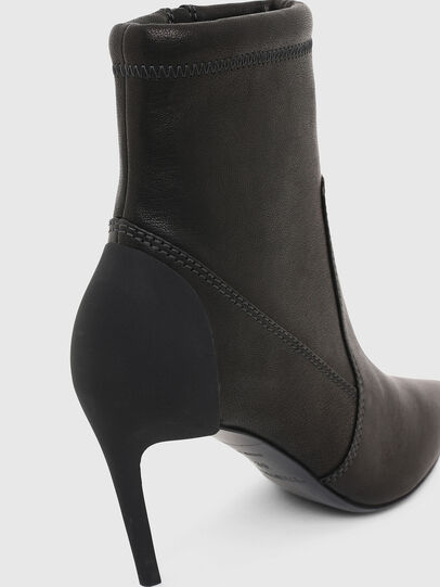 Diesel - D-SLANTY MABZ, Black - Ankle Boots - Image 4