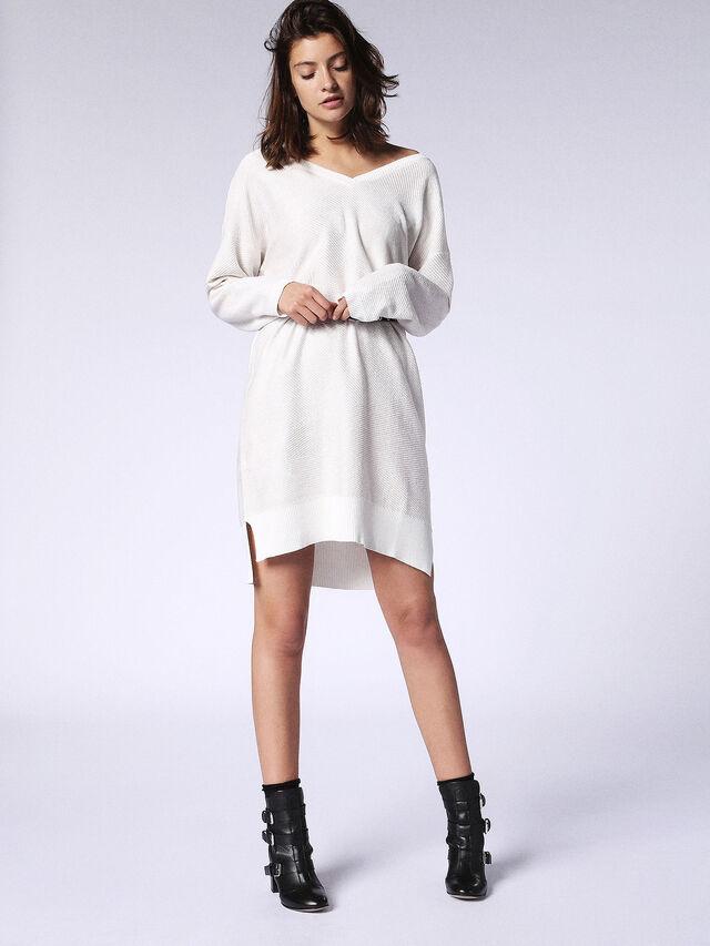 M-STARRY, White