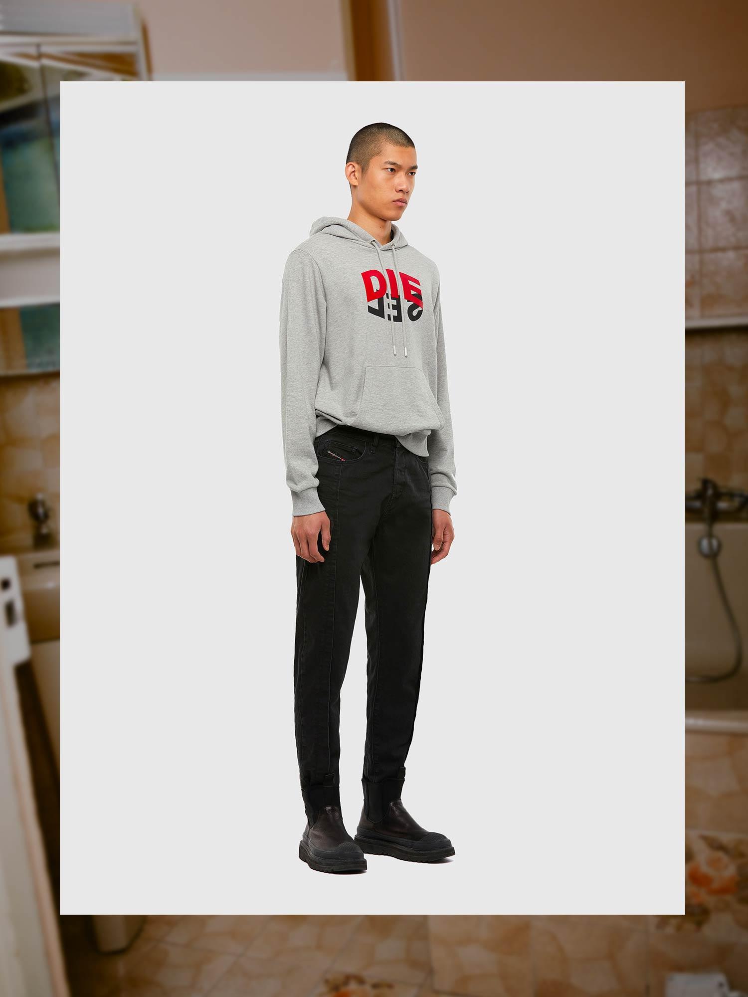 Diesel Jeans Carrot Fit: D-Vider | Shop Now on Diesel.com